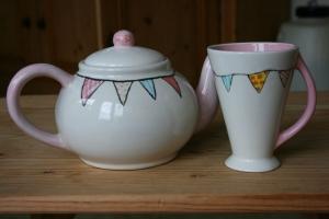 bunting-teapot